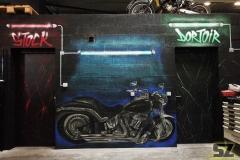 Graffiti-professionel-graffeur-artiste-street-art-harley-davidson-moto-la-rochelle-niort-saintes-bordeaux-rochefort-charentes-maritime