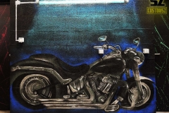 Graffiti-professionel-graffeur-artiste-street-art-harley-davidson-moto-la-rochelle-niort-saintes-bordeaux-rochefort-charentes-maritimes