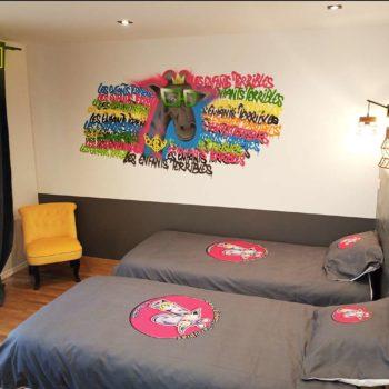 décoration graffeur-professionnel-suoz-la-rochelle-lettrage-graffiti-tag-tague-chambre-enfant-graff